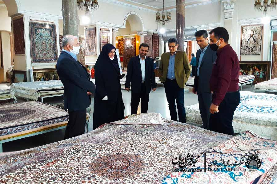 فرحناز رافع از شرکت سهامی فرش ایران بازدید کرد